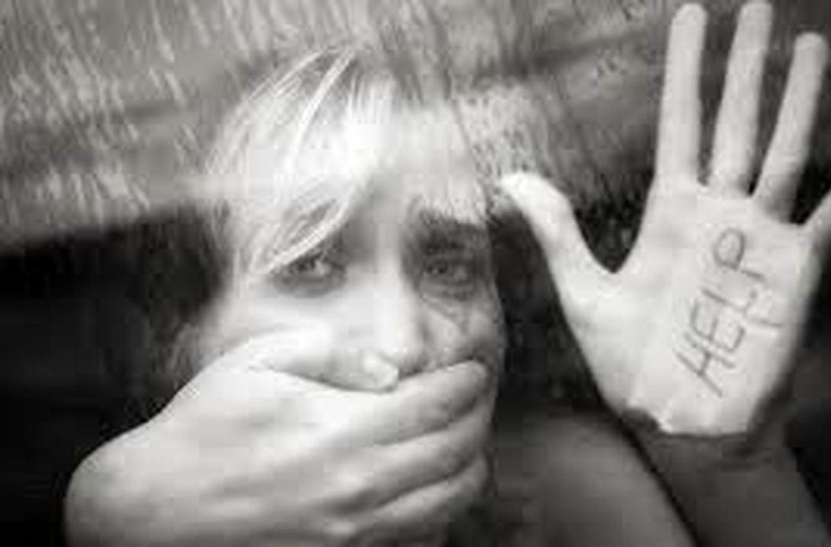 تجاوز وحشتناک ودرد ناک معلم خصوصی به دانش اموز در خانه اش + عکس
