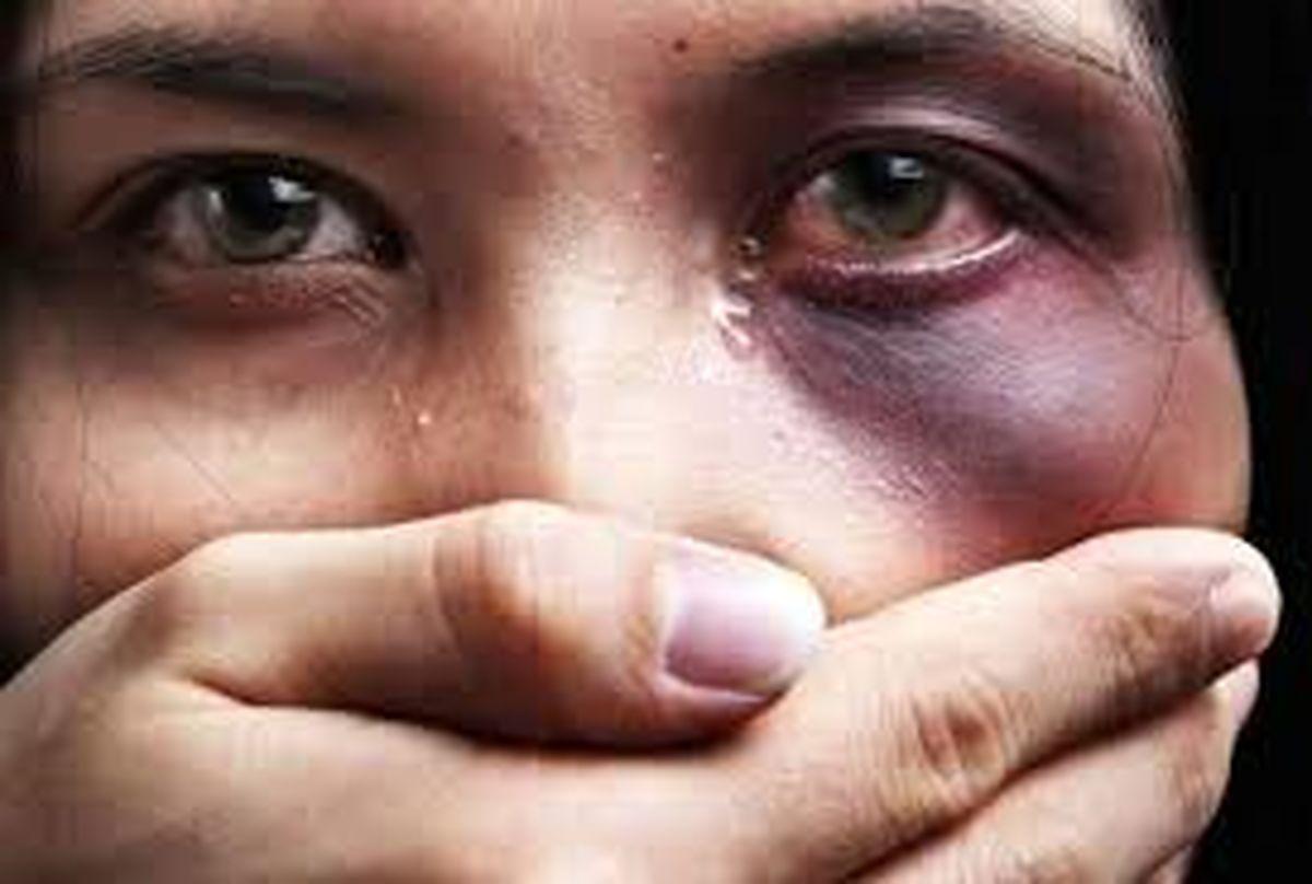 تجاوز جنسی به زن جوان به بهانه ماساژ مجانی + عکس