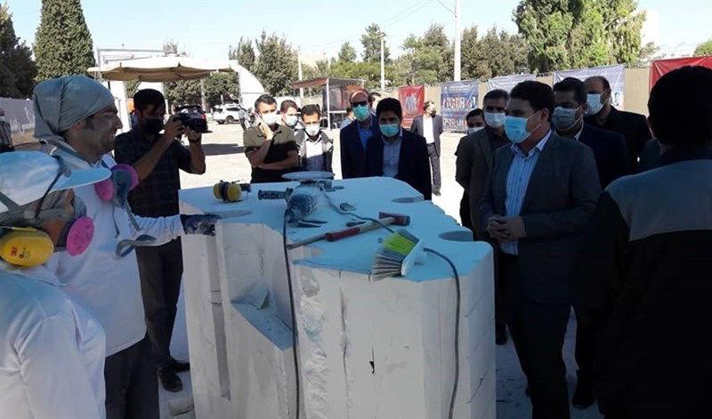 استاندار کرمان از نخستین سمپوزیسیوم مجسمه سازی گلگهر