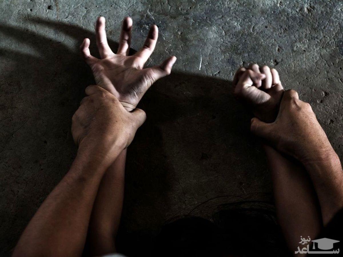 تجاوز فجیع خواستگار مادر به دختر جوانش + عکس