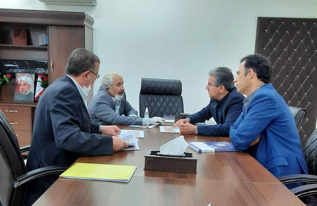 نشست  مدیر عامل شرکت معدنی و صنعتی چادرملو با دکتر علمدار رئیس اداره کل صنایع استان یزد